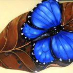 fabiana_kaled_artista_plastico_borboleta-azul-na-folha-pronec-0100-1920x1032