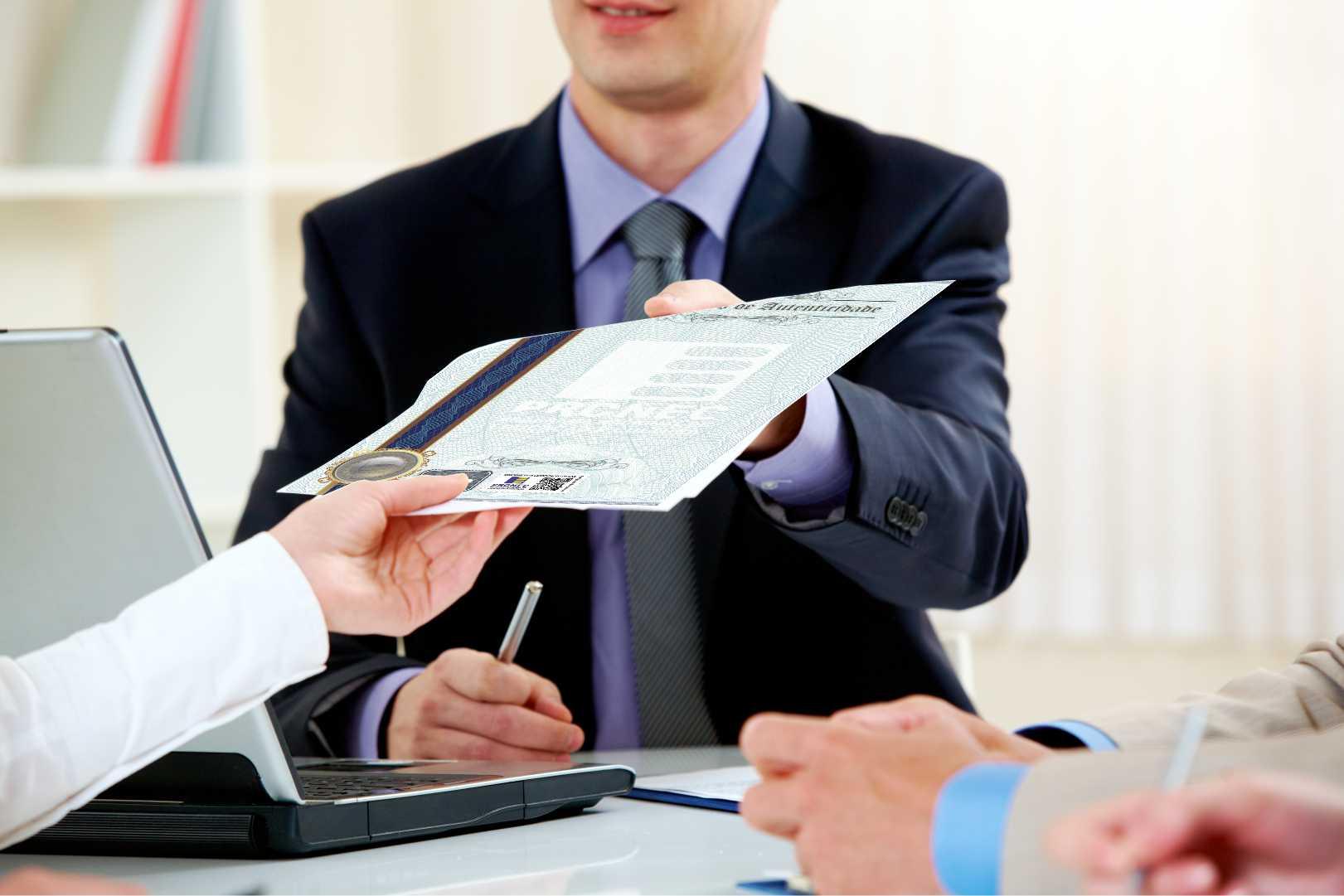 Itens de Segurança em seu Certificado de Autenticidade e/ou Participação