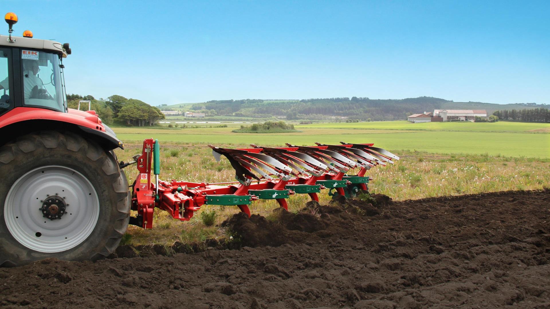 trator-e-implementos-agricola